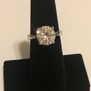 CZ SOLITAIRE RING SILVER TONE BAND SZ 7